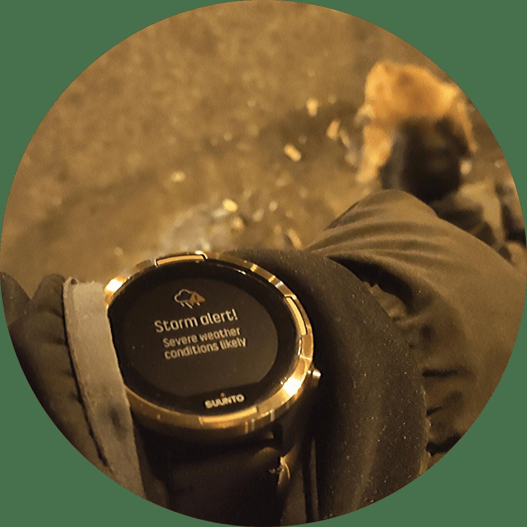 Suunto 9 baro copper - vētras brīdināšanas signāls