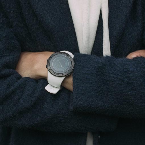 suunto 5 pulsometrs ir piemērotāks mazākām rokām