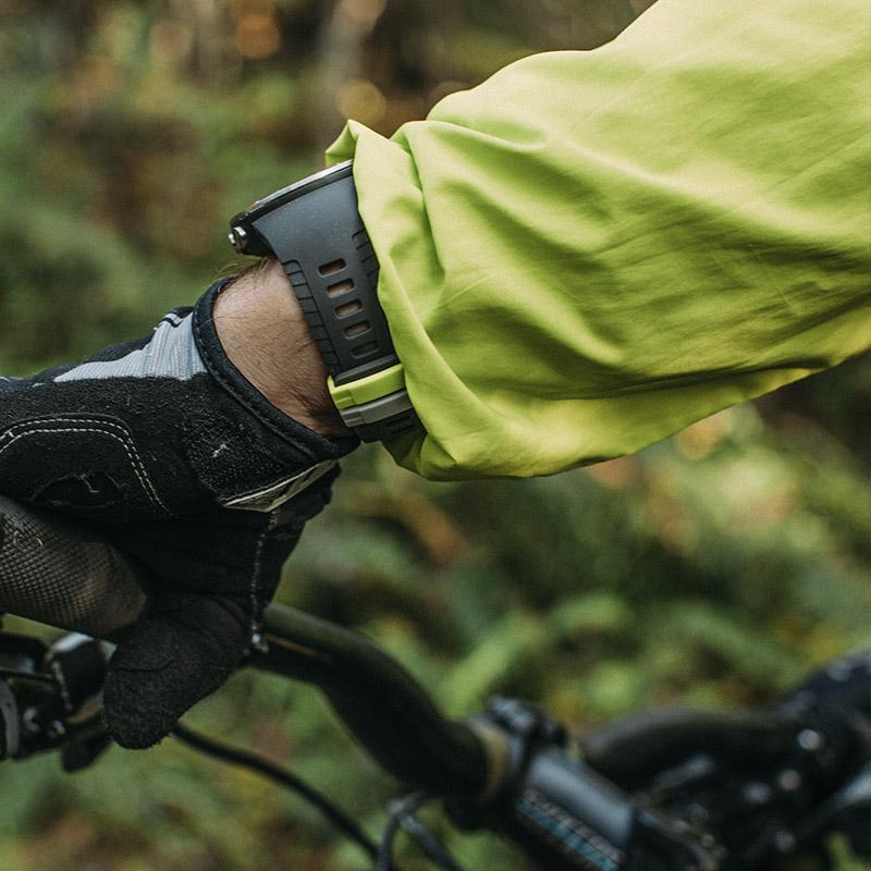 suunto-5-on-wrist-800x800px-11