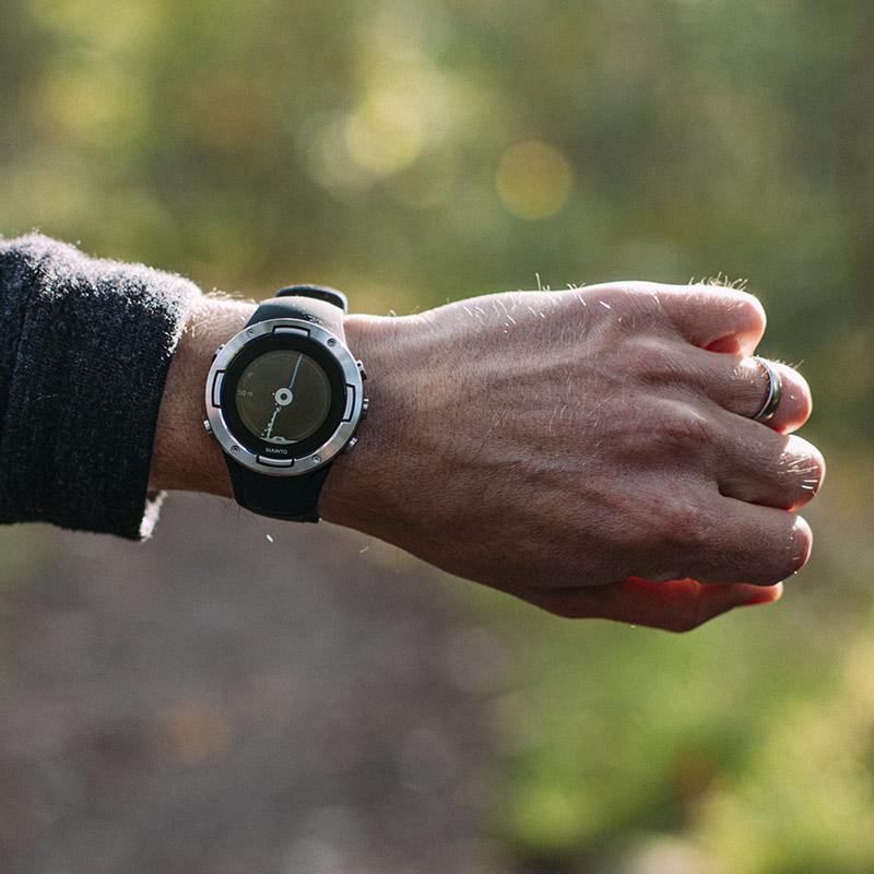 suunto-5-on-wrist-800x800px-12