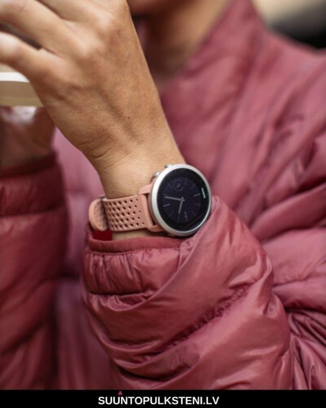 fitnesa pulkstenis - suunto 3 ar smart pulksteņa funkcijām