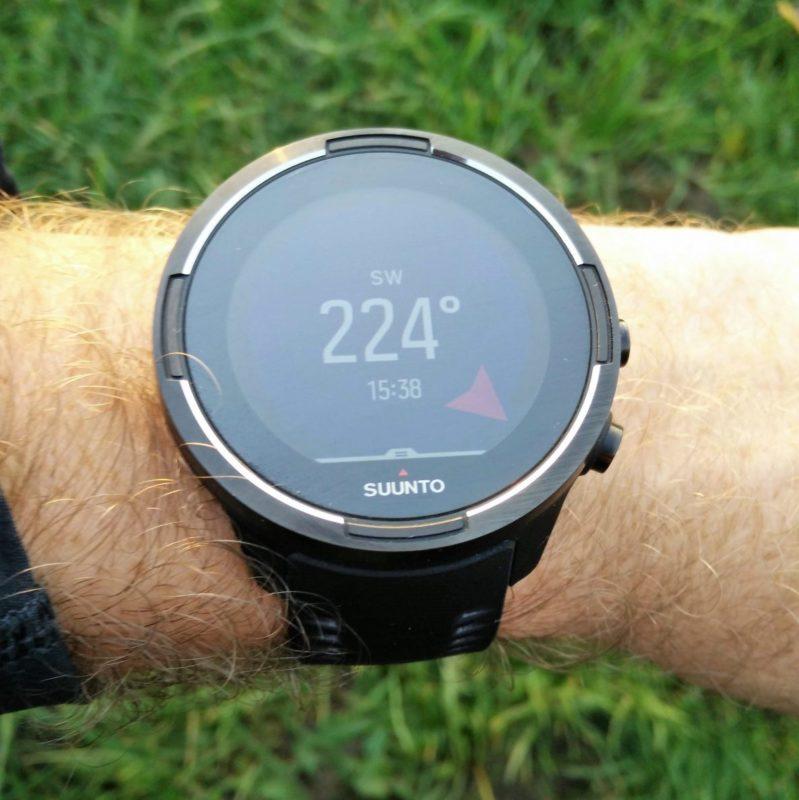 suunto 9 baro sporta pulkstenis - digitālais kompass uz rokas